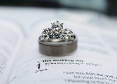 Jaké jsou trendy v zásnubních prstenech?